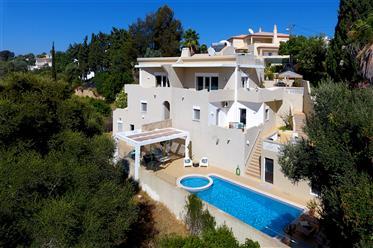 Double villa on the edge of green valley between Ferragudo and Carvoeiro