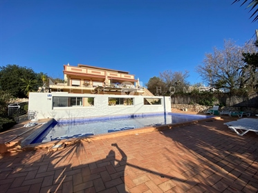 Vende Moradias Em Estoi - Algarve