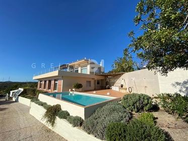 Vende Magnifica Moradia V3 Com Vista Mar Em Estoi - Algarve
