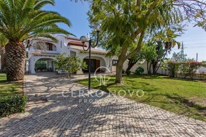 Moradia tradicional e rural perto da Guia e do Algarve Shopp...