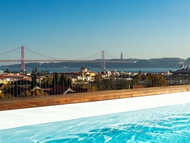 3-Bedroom Apartment, Belém (Lisbon) view over the Sea and Garden, with Terrace.