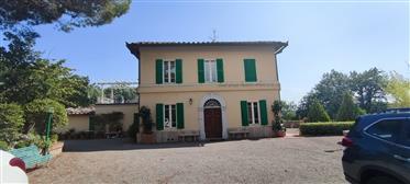 Villa d'epoca alle porte di Siena