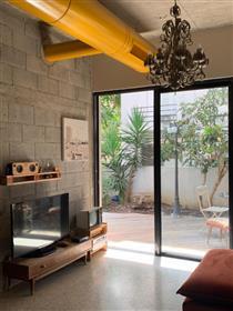 Near the Cultural Center of Tel aviv - Habima -and the Rothschild Blvd, garden apartment totally ren