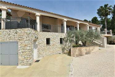 Villa Of 185 M² With 4 Bedrooms And Outbuilding