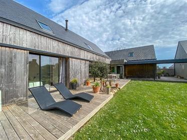 A vendre maison d'architecte avec aperçu mer, Finistère nord