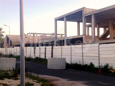 Terreno com construção, situado em zona de expansão de Porto Covo