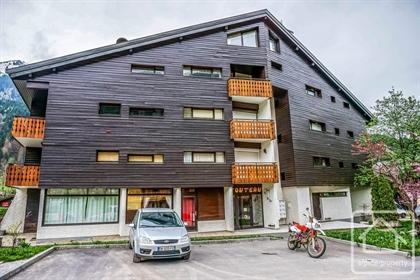 Appartement original et spacieux, à côté des pistes.