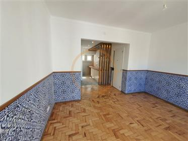Διαμέρισμα : 94 τ.μ.