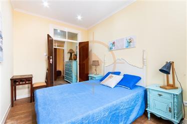 Дом : 179 м²