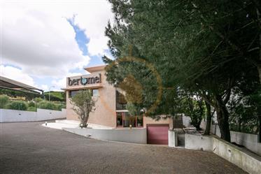 Escritório em Moradia com afetação Serviços com 4 pisos (Quinta da Moura - Oeiras)
