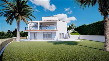 Villa V3 + 4 avec piscine en cours de rénovation totale Situé à Vale Currais, Carvoeiro