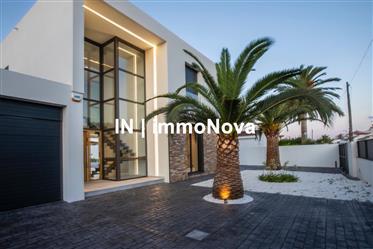 Bonita casa nueva de alto standing con amarre en venta,Empuriabrava