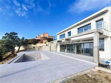 New house with panoramic sea view and pool
