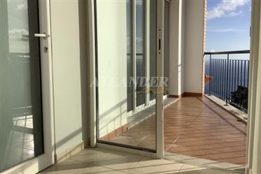 1 Schlafzimmer Dachgeschosswohnung mit Balkon zum Verkauf, Caniço, Santa Cruz