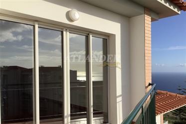 1 Schlafzimmer Dachgeschosswohnung mit Balkon zum Verkauf, C...