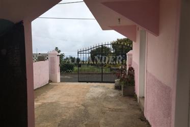 3 Schlafzimmer Haus, in Levada mit Parkplatz und Meerblick, Fajã Ovelha, Calheta