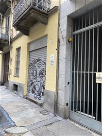 Studio immobiliare Conta Manuela propone in vendita al piano strada, ad un isolato del par...