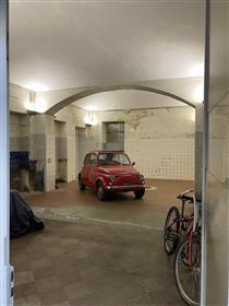 San Salvario - laboratory ground floor ideal studio -
