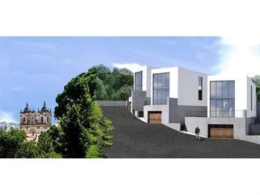 Land mit fantastischem Projekt für den Bau von 4 Villen, in der Mitte Alcobaça genehmigt
