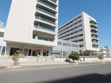 Novo empreendimento de lojas junto à Loja do Cidadão e Metro...