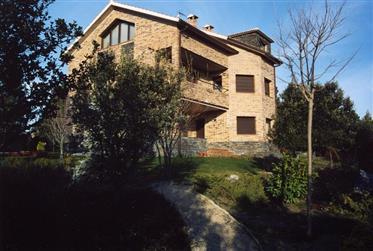 Grande Bajada De Precio - Casa De Ensueño En Siete Fuentes En Marugan, Segovia