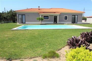 Moradia T3 com piscina em Salir do Porto