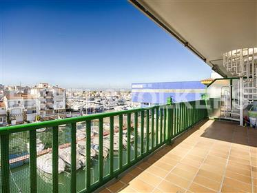 Penthouse at the beach with 70 m2 terrace