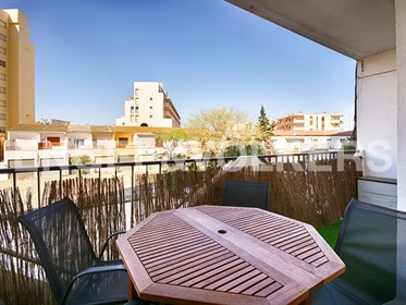 One bedroom apartment, completely renovated and close to the sea