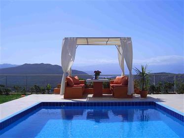 Maisonettes close to  the sea and nice views!!!!  east Crete