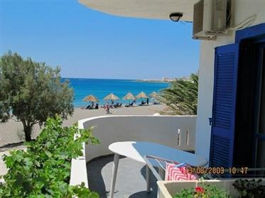 A great apartment complex of 135m2 located right by the sea in a tranquil area