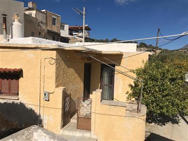 Episkopi- Ierapetra:  House of 93m2 in Episkopi, just 7km from Ierapetra town.