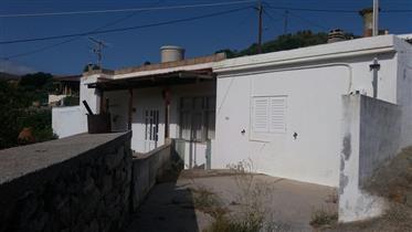 Maison traditionnelle avec jardin à Chamezi.