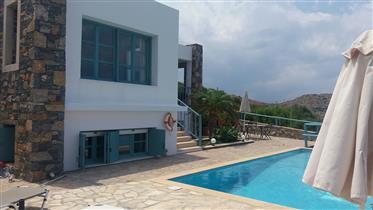 Mochlos-Sitia: Fantastic villa with sea views just 250meters...