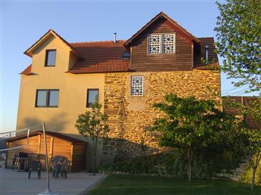 Villa avec un excellent emplacement et une exposition au soleil