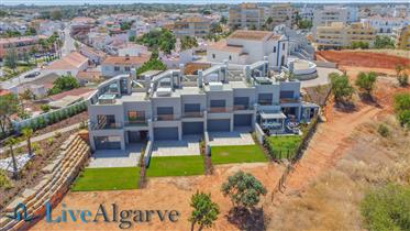 Ultra-Modern T2 Townhouse on the Arade Riverside, Parchal