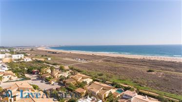 Fantástica Vista Mar T4 Triplex Casa Geminada na Meia Praia, Lagos