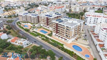 Fabuloso T2 Apartamento com Piscina, Lagos