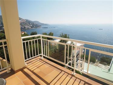 Building of 8 apartments with stunning views