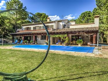 Huis: 527 m²