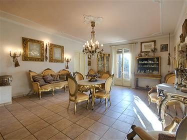 Huis: 484 m²