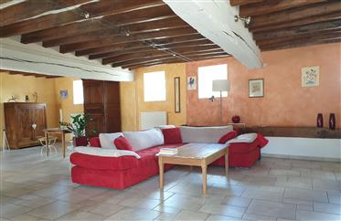 Near Chateaudun, pretty restored old house of 230 m².