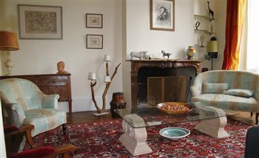 Orleans, proche bords de Loire, belle maison ancienne