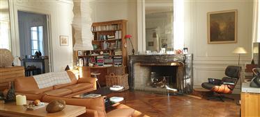 Orleans, Vue Loire, Bel appartement de réception du XVIIIeme