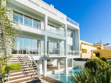 Moradia de luxo T5 com piscina em Albufeira