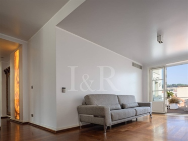 Penthouse 4+2 bedroom with terrace and river view in Chiado, Lisbon