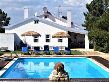 10-Bedroom country house and pool near the Alentejo coast in Grândola