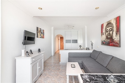 Magnificent Loft located on the Las Canteras beachfront, it is an updated property in one