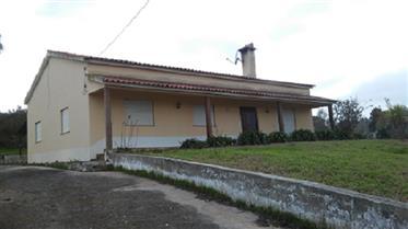 Moradia T3 isolada com Jardim