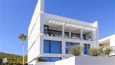 Villa Moderna con Impresionantes Vistas al mar en Guardamar–...