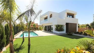 Villa de Diseño Moderno in Alicante- Llave en mano